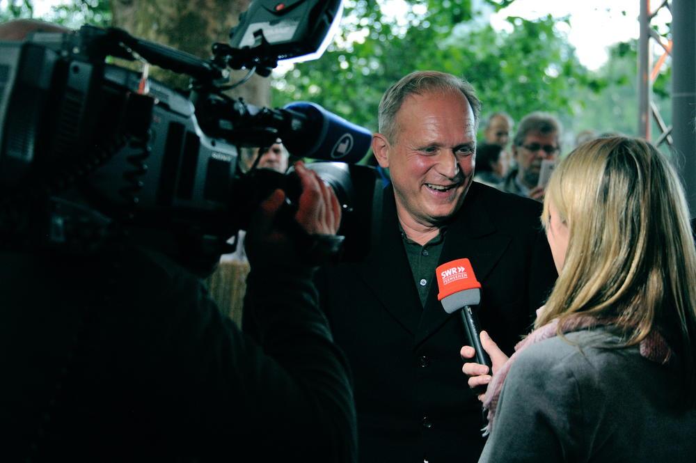Ulrich Tukur zur Preisverleihung auf der Insel!  Kriminetz